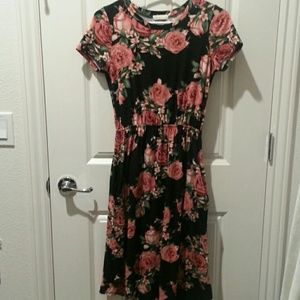 Short sleeve rose dress
